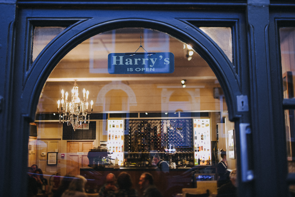 Exterior Harry's restaurant