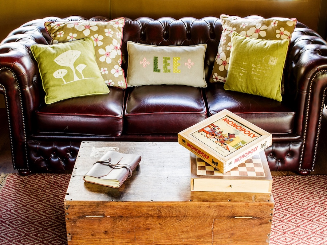 chesterfield sofa and games