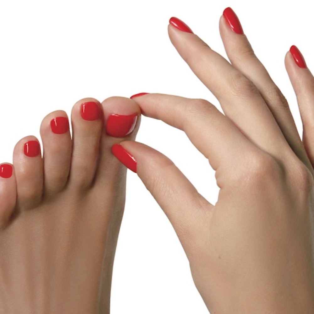fingers toes painted red