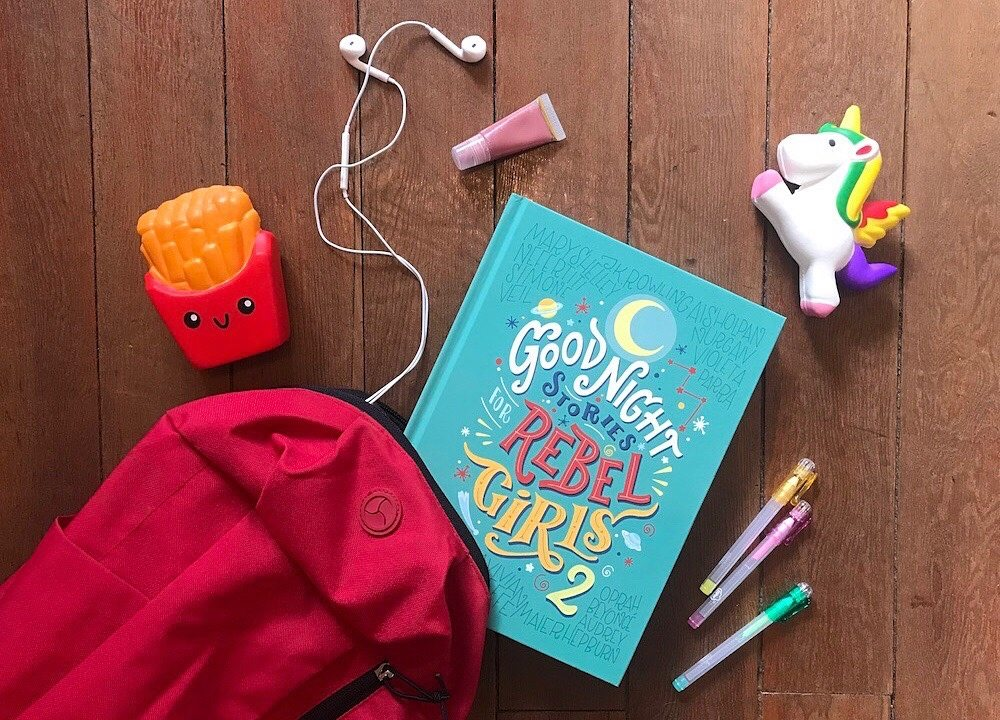 book pony earphones bag