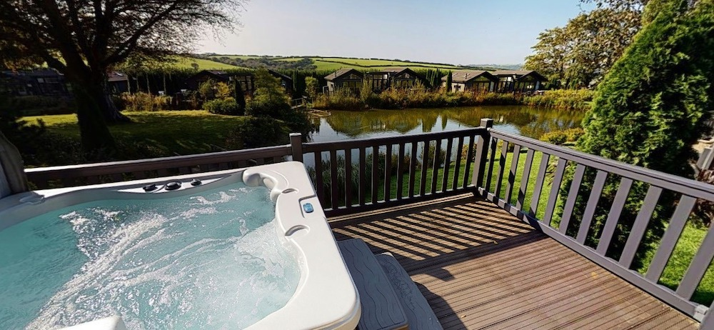 cottage with hot tub bu the river in Exmoor